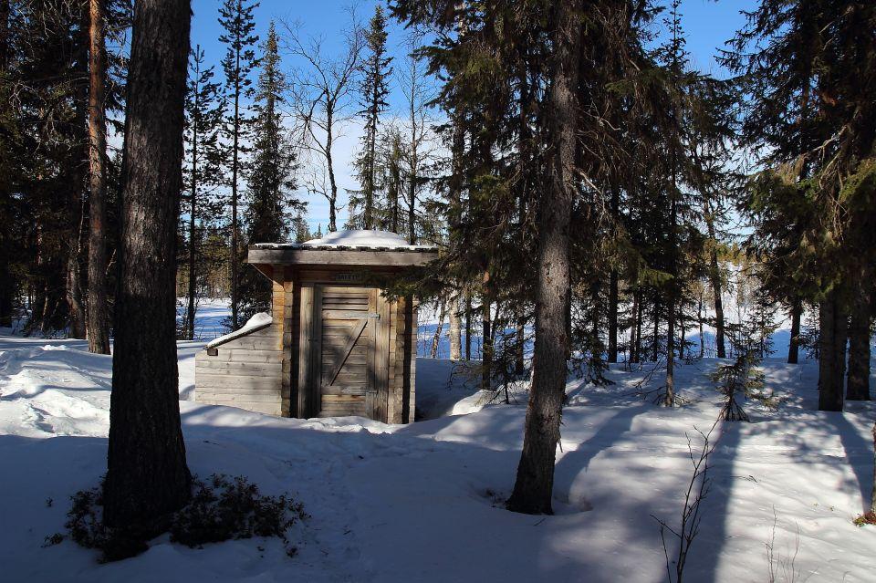 Les toilettes en pleine nature en Laponie