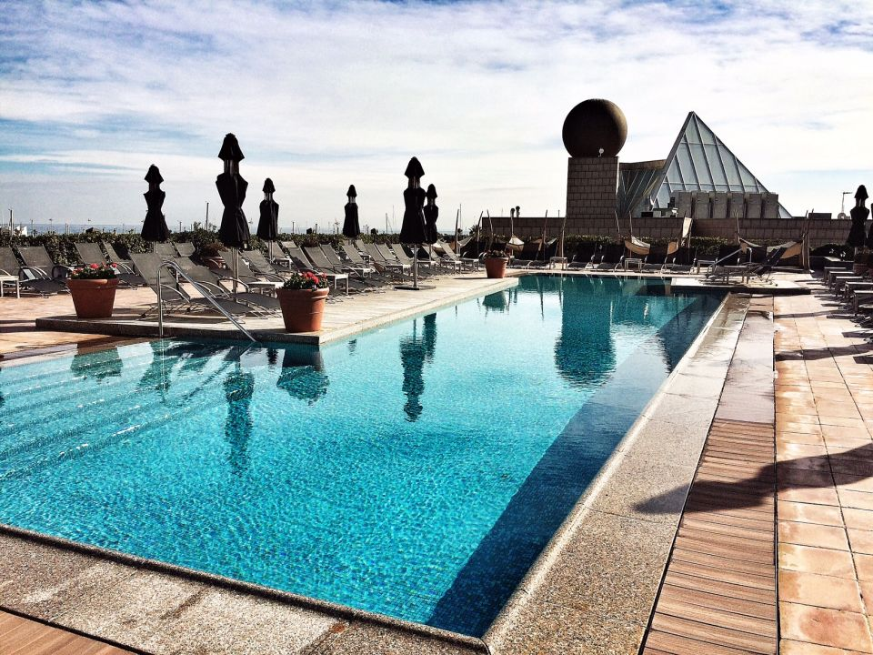 piscine hotel arts barcelone