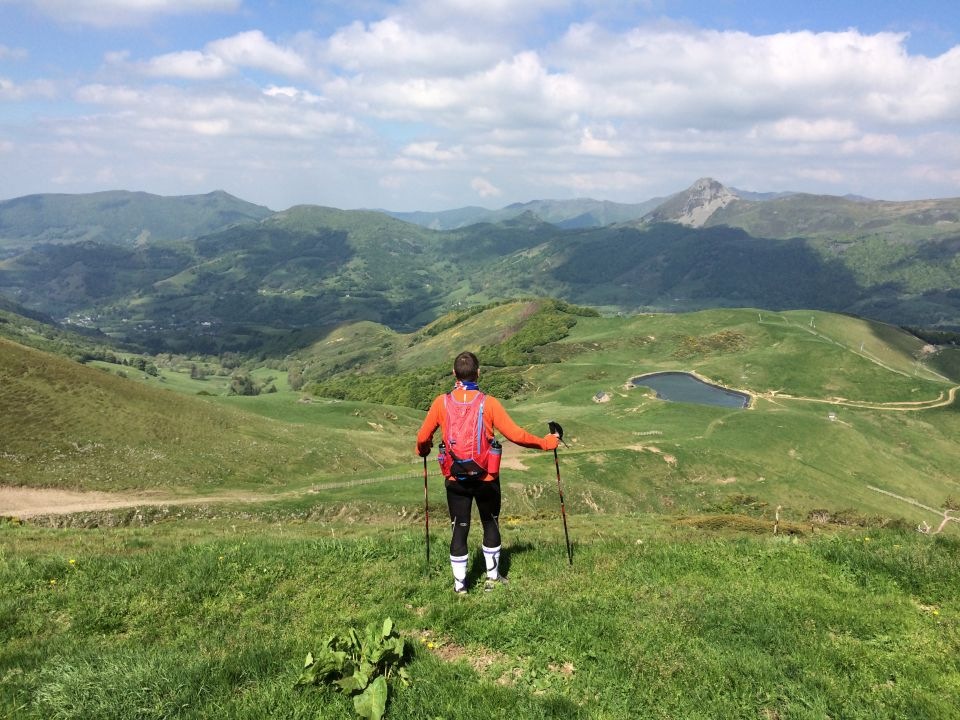 trail cantal paysage lac