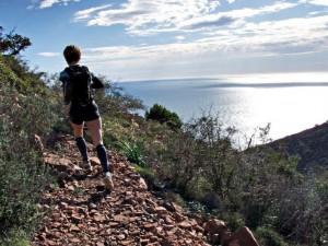 Travail en cotes trail (c) Akunamatata