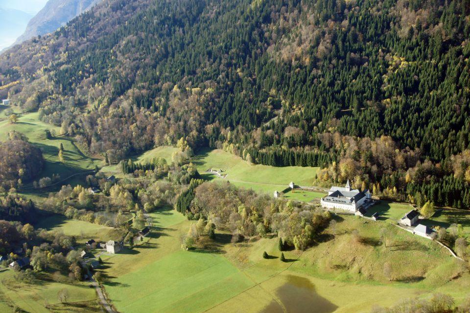 Vue aérienne Abbaye de Tamié - Club de l'image 1