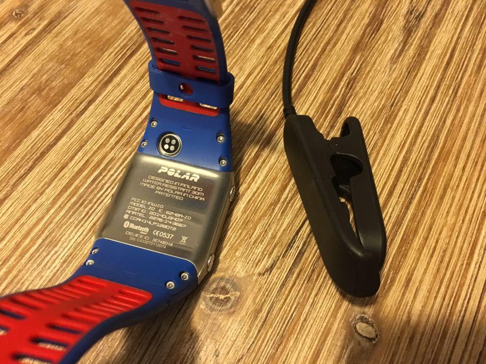 polar V800 a charger