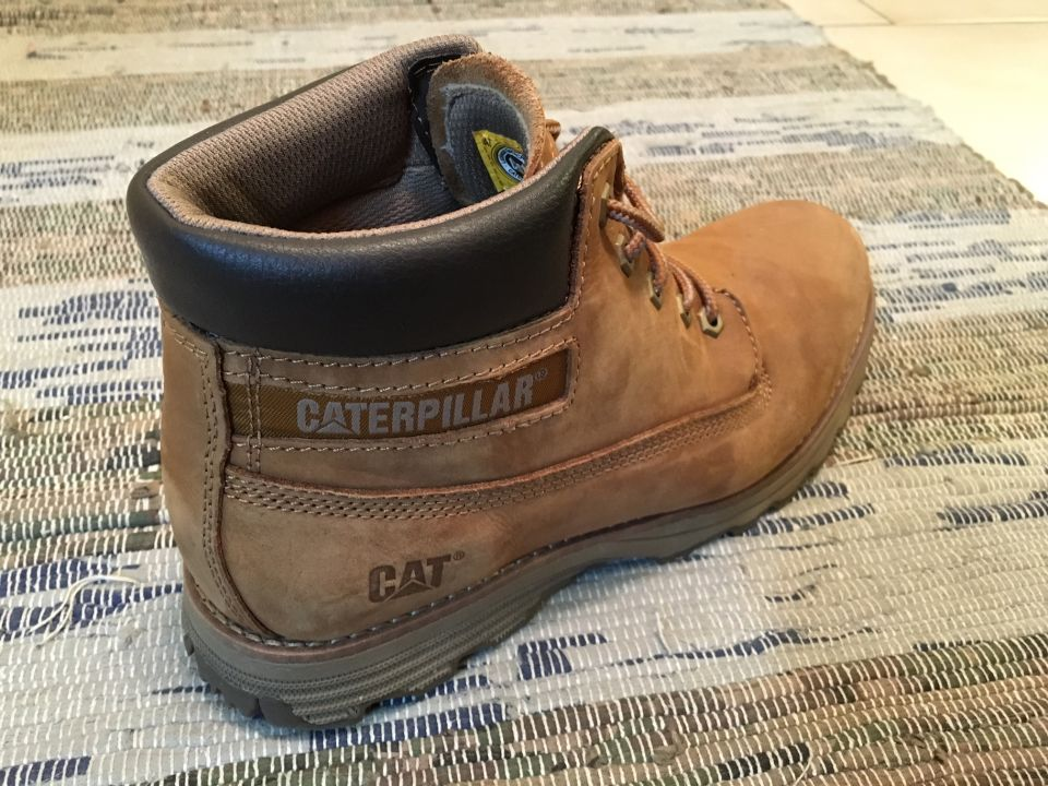 Caterpillar beige founder