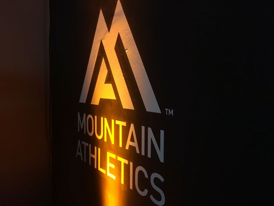 Logo Mountain Athletics