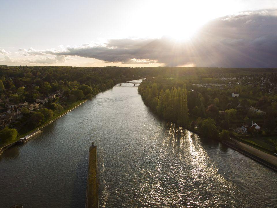 Bois le roi depuis la Seine