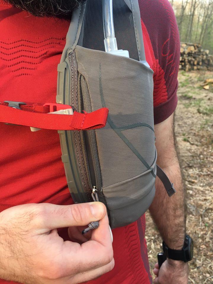pochette avant sac de trail duro osprey
