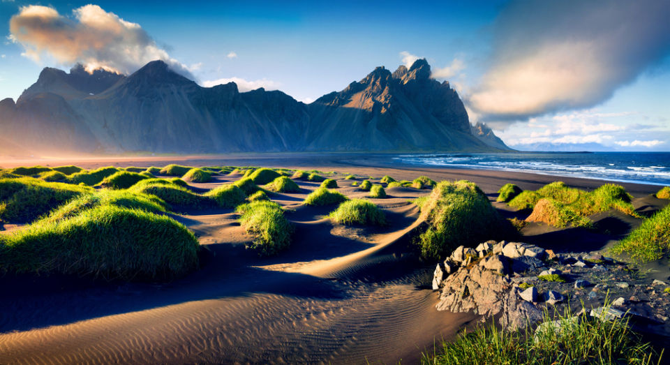 Islande Black sand dunes on the Stokksnes